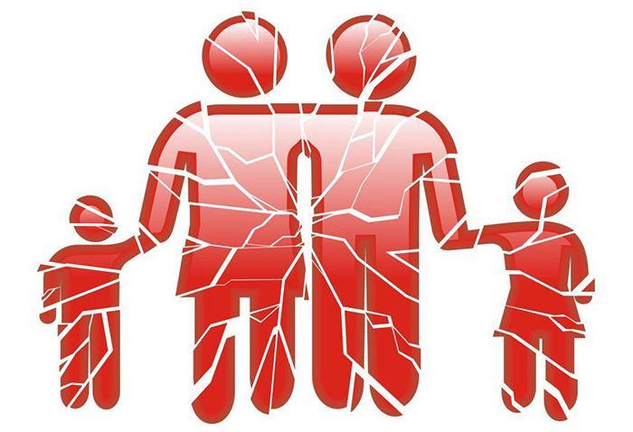 La destrucción del matrimonio y la familia son claves para des-estructurar a la sociedad.