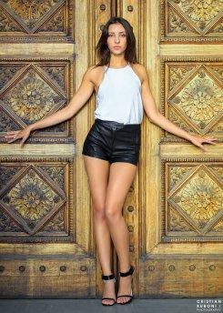 vanessa_model_door_melbourne_fashion