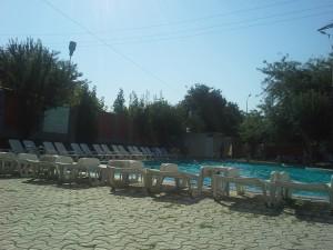 Pensiunea-DanaCris-piscină