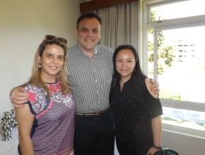 Tatiane Moreno, João Bueno e Renata Santos, do staff da Associação Brasileira de resorts- ABR