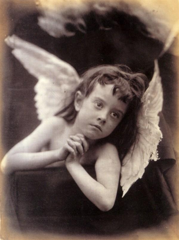 cristinaarce_biography_master_photographer_cameron06_angel_of_the_nativity