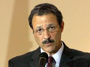 Mauricio Villeda lucha contra el lado escuro del Partido Liberal.