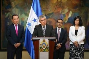 El jefe de la misión del FMI, Lisandro Ábrego, durante la conferencia de prensa.