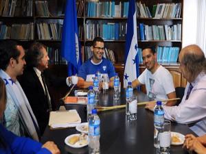 Una delegación de los indignados se reunirá esta tarde con el facilatador del diálogo enviado por la OEA, John Biehl del Río.