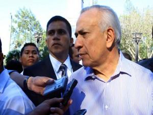 La seguridad del presidente del Congreso Nacional, Mauricio Oliva, es exagerada.