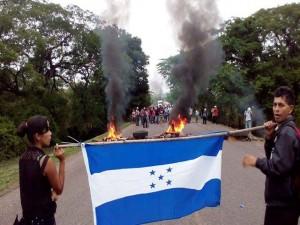 """Las acciones de protesta inician con el """"mes de la patria""""."""