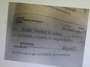 Este es uno de los tantos cheques recibidos por el Partido Nacional