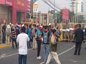 Los miembros del Copinh han acudido nuevamente a Casa Presidencial a continuar con sus exigencias