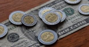 Inicia dólar el año con baja a $19.90