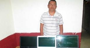 Detienen a asaltante en la colonia Santa Matilde; se llevaba computadoras