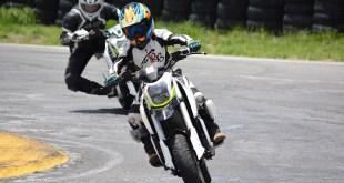 Jóvenes pilotos suben al podio