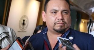 Pide Víctor Osmind denunciar extorsiones por Hoy no Circula