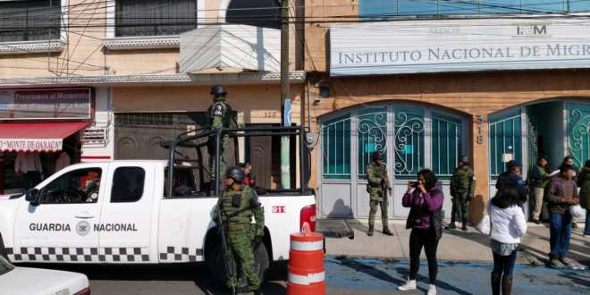 En Pachuca, escapan 15 indocumentados del INM