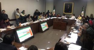 Congreso congela el reloj legislativo para seguir con discusión