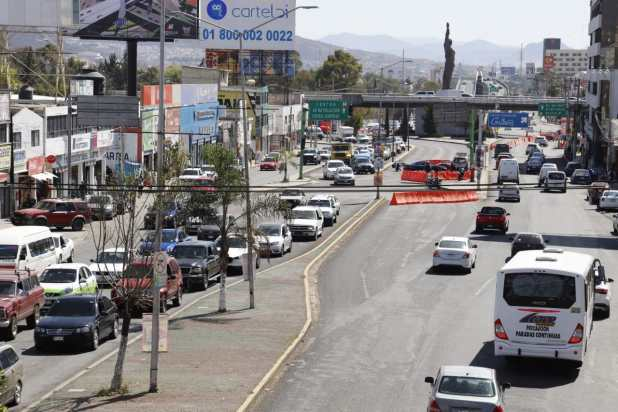 Estas son las rutas alternas por obras de puente atirantado en Pachuca