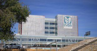 Ante carencia de insumos, se protegen con bolsas en IMSS Tizayuca
