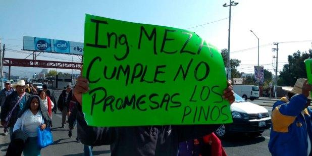 Por segundo día, protestan pobladores en la SCT Pachuca