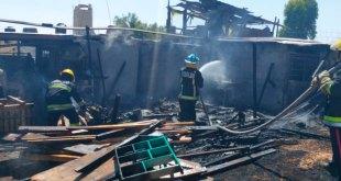 Un lesionado tras incendio de casa en Tlapacoya