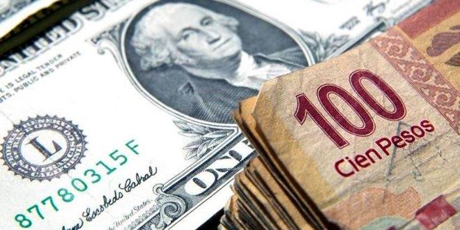 Rebasa dólar un máximo histórico de 23.51 pesos a la venta