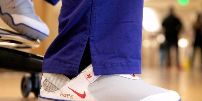 Nike dona 30 mil pares de tenis para médicos que luchan contra el Covid-19