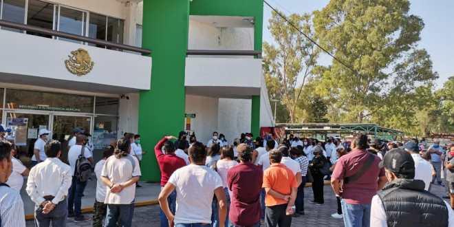 Con manifestación, buscan abrir negocios no esenciales en Tula