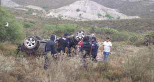vuelca-camioneta-comunidad-ixmiquilpan