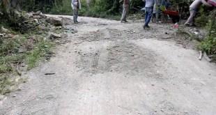 falta apoyos Huehuetla reparan carretera