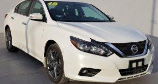 Pide Nissan llevar a revisión Altima por falla en puertas