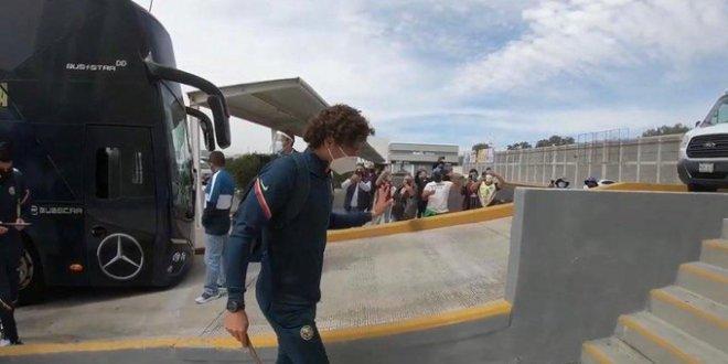 Aficionados de América en Pachuca no respetan medidas sanitarias