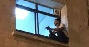 Joven escalaba a ventana de hospital para ver a su madre con Covid-19