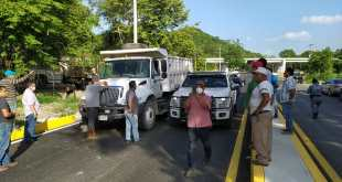 Empresario crea conflicto entre sindicatos de camioneros, en Huejutla
