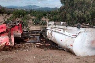 Vuelca pipa gas LP Pachuca-Tulancingo