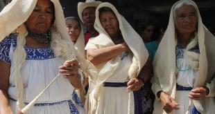 Habitantes San Bartolo difunden diccionario otomí redes