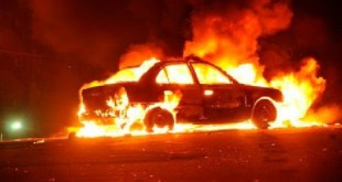 Localizan una persona calcinada dentro de vehículo en llamas, en Tula