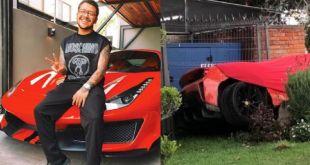 Chocan Ferrari de Christian Nodal contra fachada de restaurante