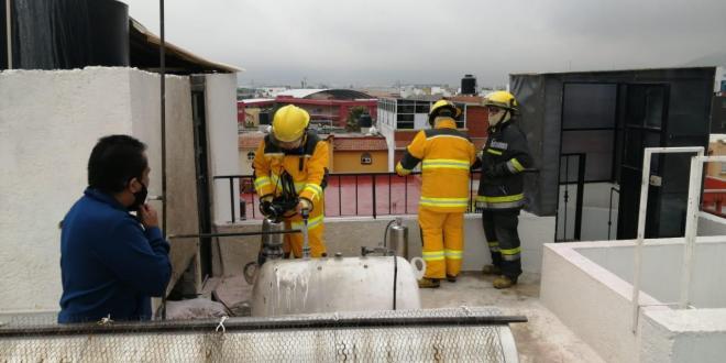 Fuga de gas provoca flamazo en Puerta de Hierro, en Pachuca