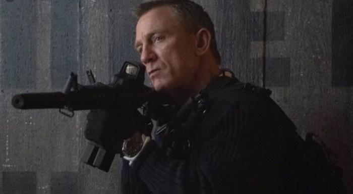 Pelea streaming por James Bond