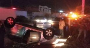 Vuelca vehículo Ixmiquilpan estado de ebriedad