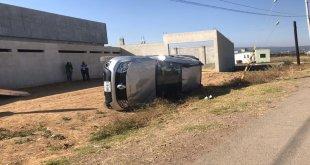 Autos chocan en carretera de Tulancingo; hay una mujer herida