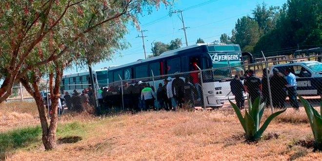 """Detienen autobús por posible """"acarreo"""" en Tizayuca"""