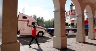 Recibe procurador a transportistas que bloquean calles de Hidalgo