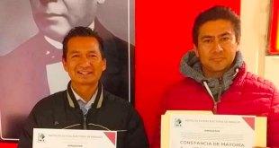 Recibe Vicente Charrez constancia presidente municipal electo Ixmiquilpan