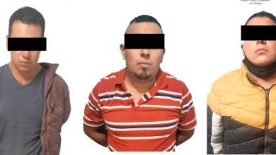 Detienen a 3 por llevar presunta droga y armas, en Cuautepec