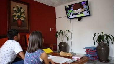 Prolongan gobierno hasta julio producción de Aprende en Casa
