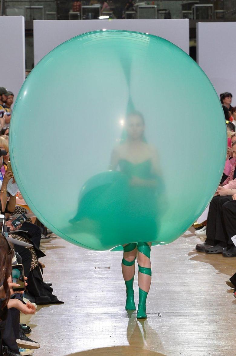 Momentos de clareza, tendência de comportamento, inovação na moda, desfile de moda, Friedrik Tjaerandsen, Crivorot Scigliano