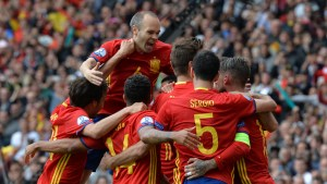Spain's players celebrate after Spain's defender Gerard Pique scored the opening goal during the Euro 2016 group D football match between Spain and Czech Republic at the Stadium Municipal in Toulouse on June 13, 2016. / AFP / NICOLAS TUCAT (Photo credit should read NICOLAS TUCAT/AFP/Getty Images)