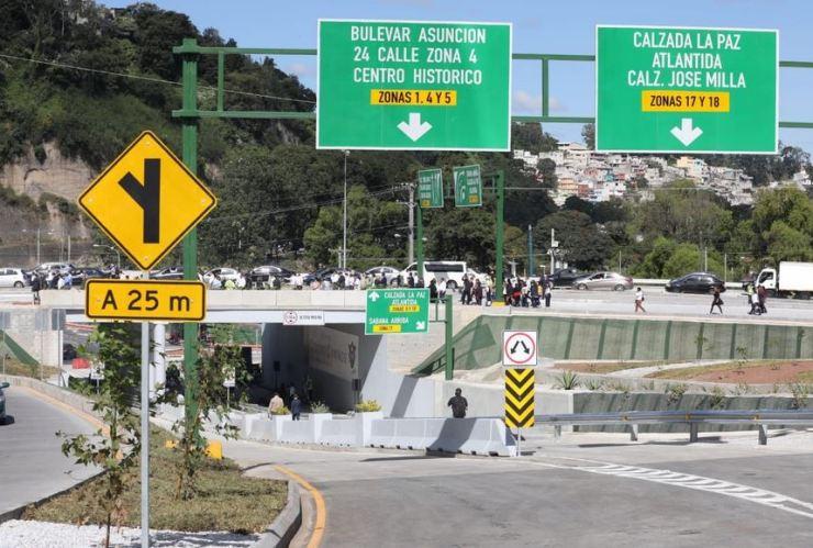 El paso a desnivel Cuatro Caminos fue construido en siete meses con un costo de 30 millones de quetzales.