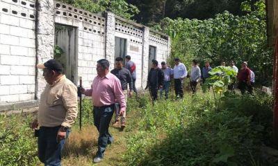 Autoridades supervisaron el turicentro Aguas Amargas previo a que iniciaran los trabajos de recuperación del lugar. (Foto: Carlos Ventura)
