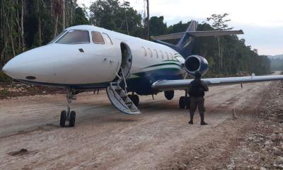 Elementos del Ejército de Guatemala localizaron un jet, armas y drogas en San Andrés, Petén. (Foto: Ejército de Guatemala)