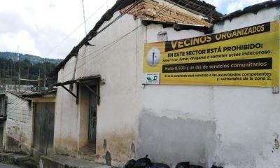 Esta es una de las mantas de advertencia colocada en la pared de una vivienda en la zona 2 de Totonicapán. (Foto: Carlos Ventura)